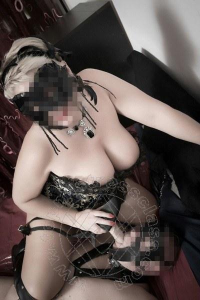 Lady Fetish Italiana  MILANO Torno presto